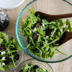 Arugula salad made with figs and goat cheese
