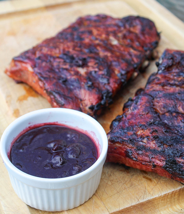 blueberry barbecue sauce with ribs