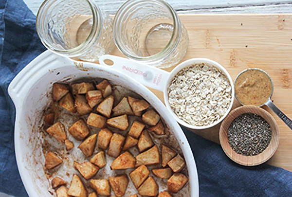apple cinnamon overnight oats ingredients apples, chia seeds, oats and almond butter